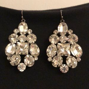 Jewelry - 🌟 Crystal drop earrings! 🌟